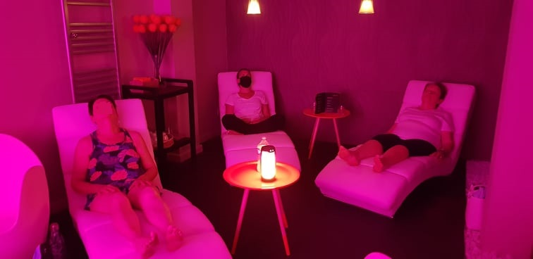 relaxation-yoga-du-rire-123-libere-toi-spa-les-orangeries-les-sables-d-olonne